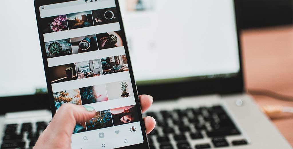 Tu hotel no debe estar fuera de las redes sociales. Partiendo de la base de que estar presente en lasredes socialesya no es una opción sinouna necesidad para ser competitivosen el sector hotelero, el siguiente paso es ponerse manos a la obra.